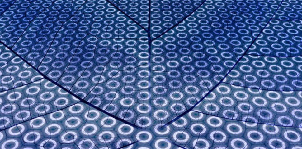 Amphiphilic Hybrid Nanomaterials